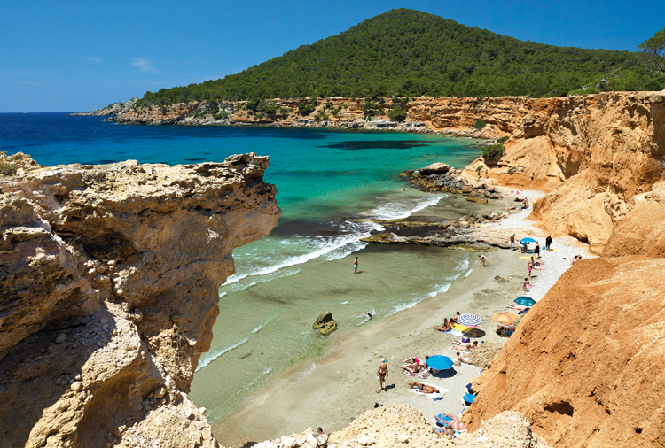 The route of southern coves and beaches in Ibiza - La Torre